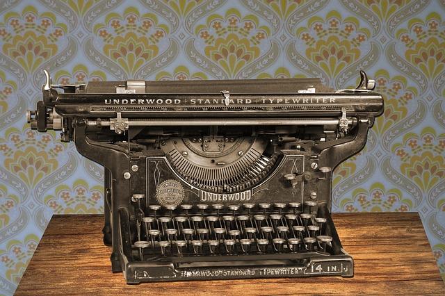 typewriter-875310_640